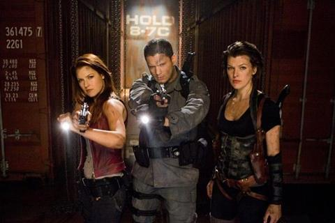 Resident Evil Afterlife Reviews Screen