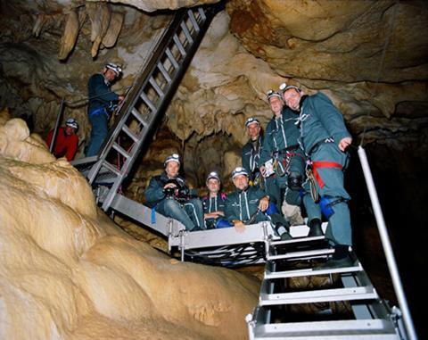 caveofforgottendream_06.jpg