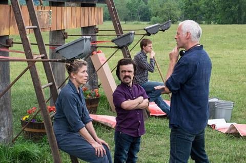 Frances mc dormand, peter dinklage, lucas hedges and martin mc donagh during the filming of three billboards outside ebbing, missouri