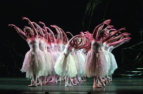 Alternative content shown at CineExpo included the Royal Opera House's Swan Lake in 3D