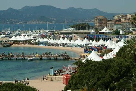 Cannes_marche.jpg