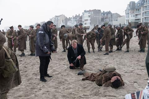 Christopher nolan dunkirk bts bb 01877