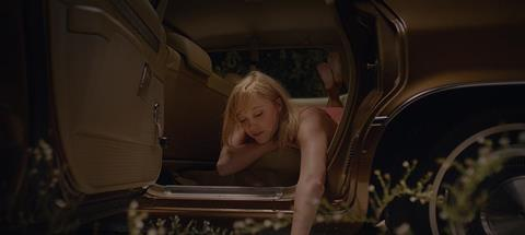 It Follows_directed by David Robert Mitchell_4